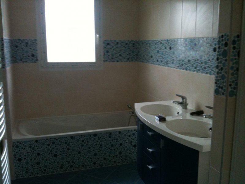 Peindre faience douche photos de conception de maison for Peinture carrelage douche nimes